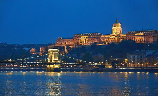 Le Danube Budapest